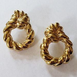 Vtg Puffy Goldtone Hollow Wreath Twist Earrings